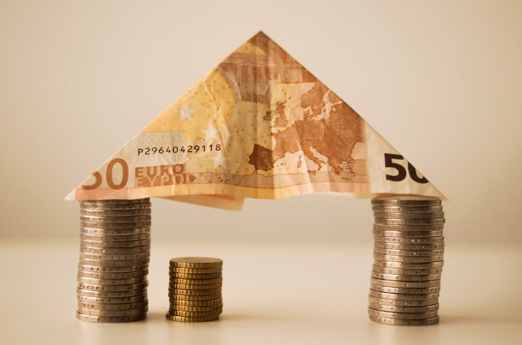 Veel huizenbezitters laten geld liggen door niet over te sluiten